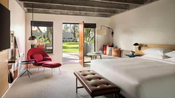 Andaz Saarinen room view